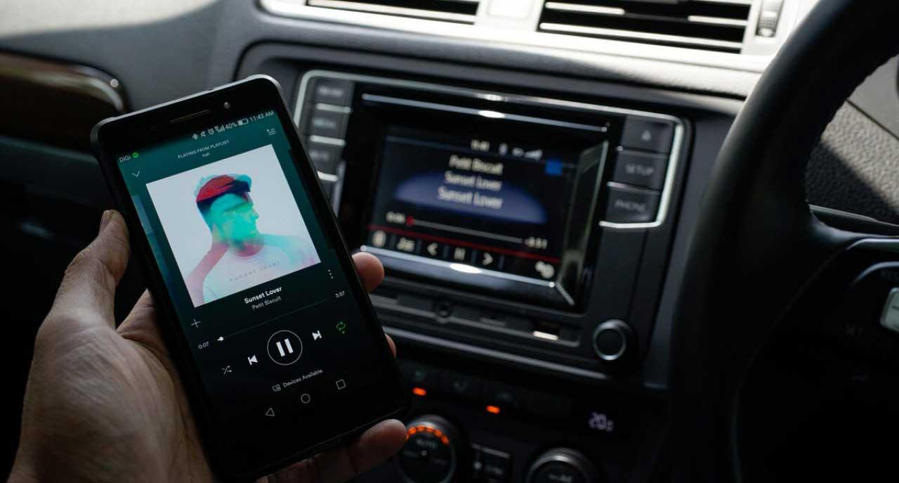 اتصال-بلوتوث-موبایل-به-ماشین-مانیتور-بلوتوث-دار-ضبط-بلوتوثی-bluetooth-car-stereo